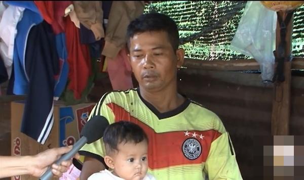 Vợ mất, chồng nén đau nuôi 3 con thơ dại: 'Chỉ ước có chai mắm cho các cháu ăn cơm, sao mà khó quá!' - Ảnh 3