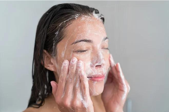 7 bộ phận trên cơ thể không nên vệ sinh quá sạch - Ảnh 2
