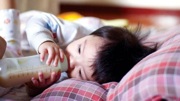Bé 7 tháng qua đời vì sặc sữa, bác sĩ chỉ ra 4 phút quý hơn vàng để cứu con - Ảnh 3