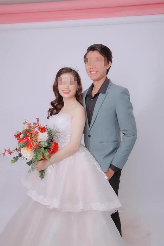 Hôn lễ hóa đám tang vì cô dâu tử nạn trước ngày cưới: Chú rể trao nhẫn, nghẹn ngào hát bên linh cữu vợ khiến nhiều người rơi lệ - Ảnh 2