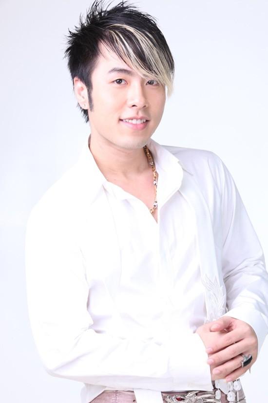 Không còn phát tướng, Akira Phan tự tin khoe thân hình 6 múi sau phẫu thuật thẩm mỹ, tích cực 'thả thính' trên MXH - Ảnh 5