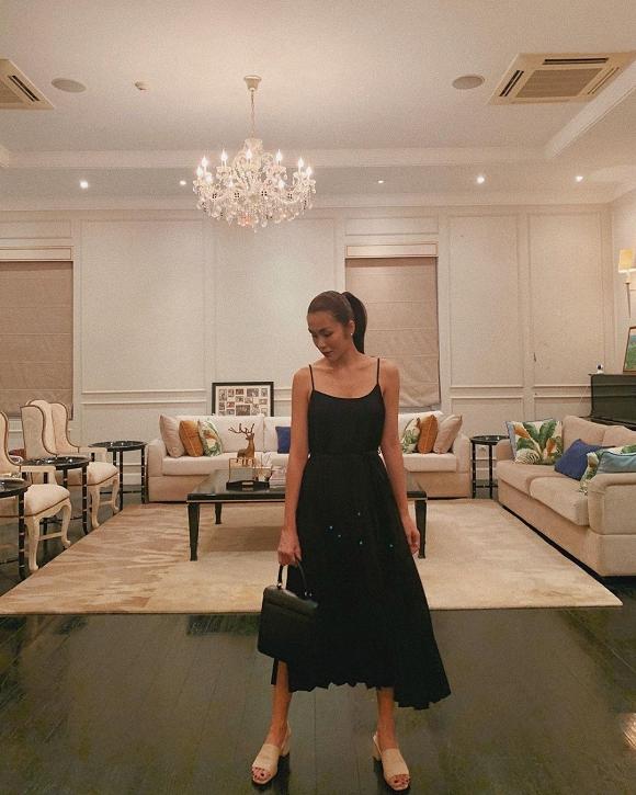 Diện đầm đen thần thái, Tăng Thanh Hà bất ngờ kể nỗi khổ để có một bức ảnh đẹp tại nhà - Ảnh 3
