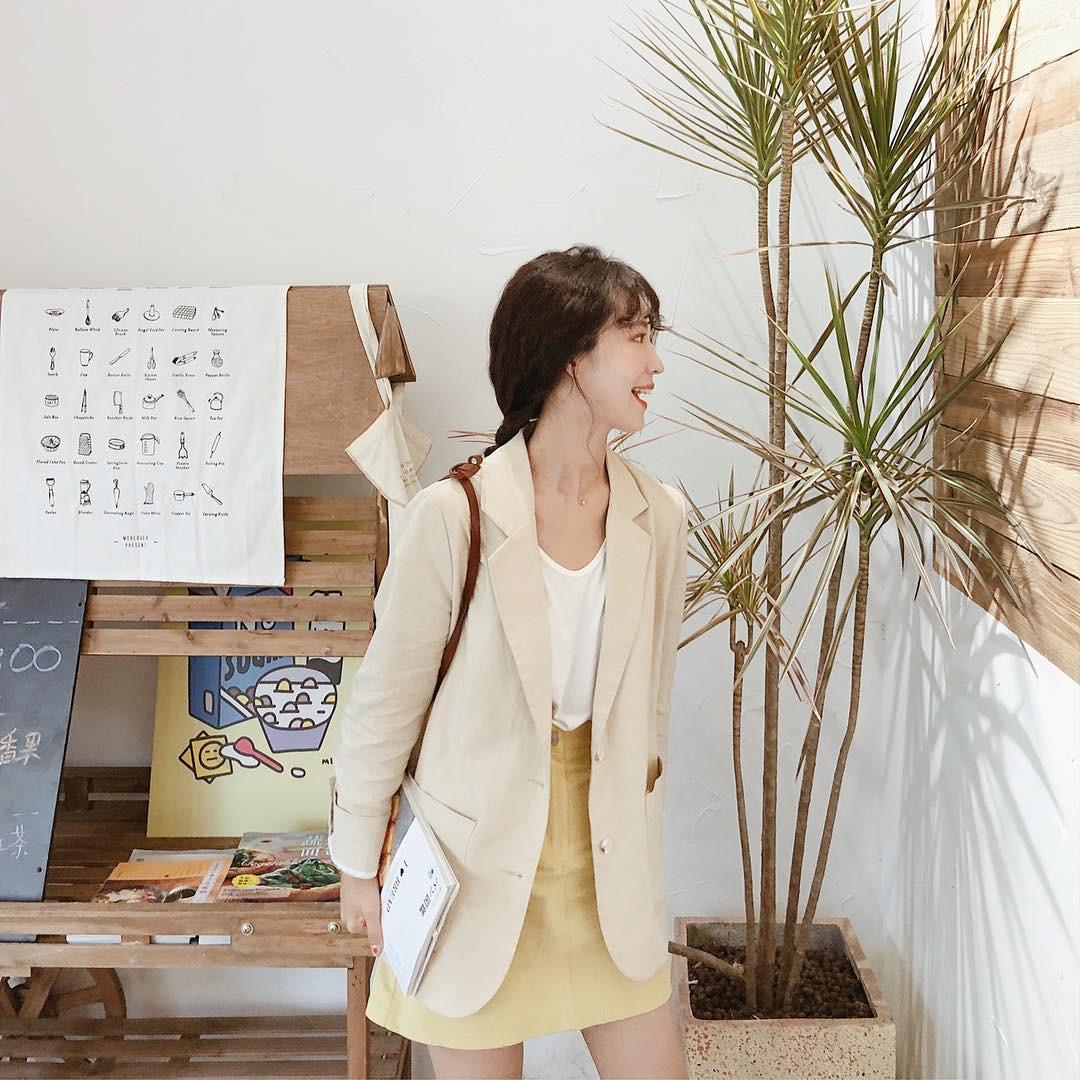 Giữa mùa thu nắng gió khó lường, bạn nên thủ sẵn 4 mẫu áo khoác nhẹ nhàng mà chất ngất sau đây - Ảnh 10
