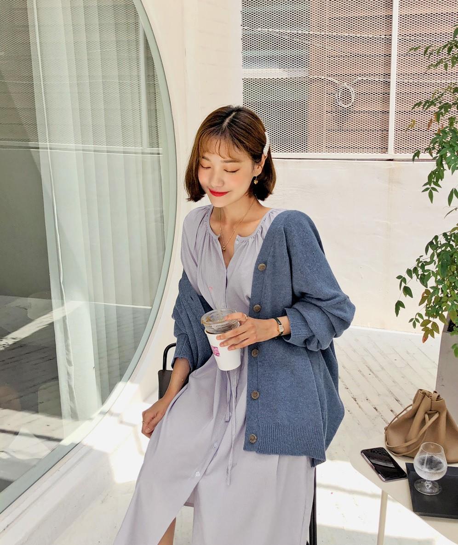 Giữa mùa thu nắng gió khó lường, bạn nên thủ sẵn 4 mẫu áo khoác nhẹ nhàng mà chất ngất sau đây - Ảnh 3