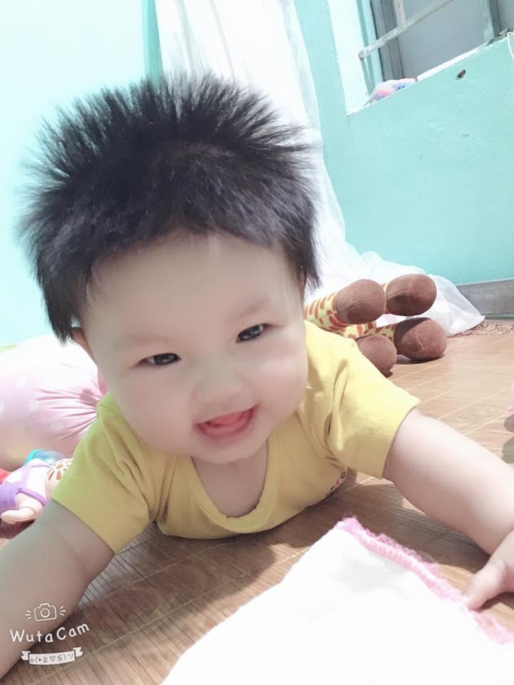 'Rụng tim' trước bé gái 3 tháng tuổi có mái tóc bông xù như chú sư tử nhỏ - Ảnh 11