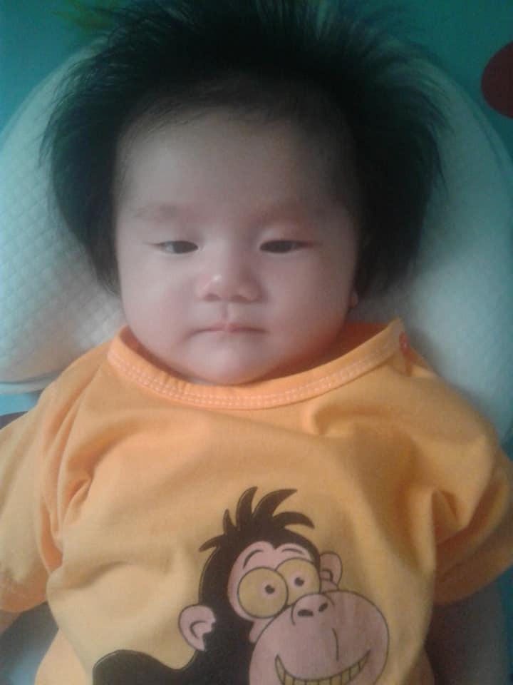 'Rụng tim' trước bé gái 3 tháng tuổi có mái tóc bông xù như chú sư tử nhỏ - Ảnh 4