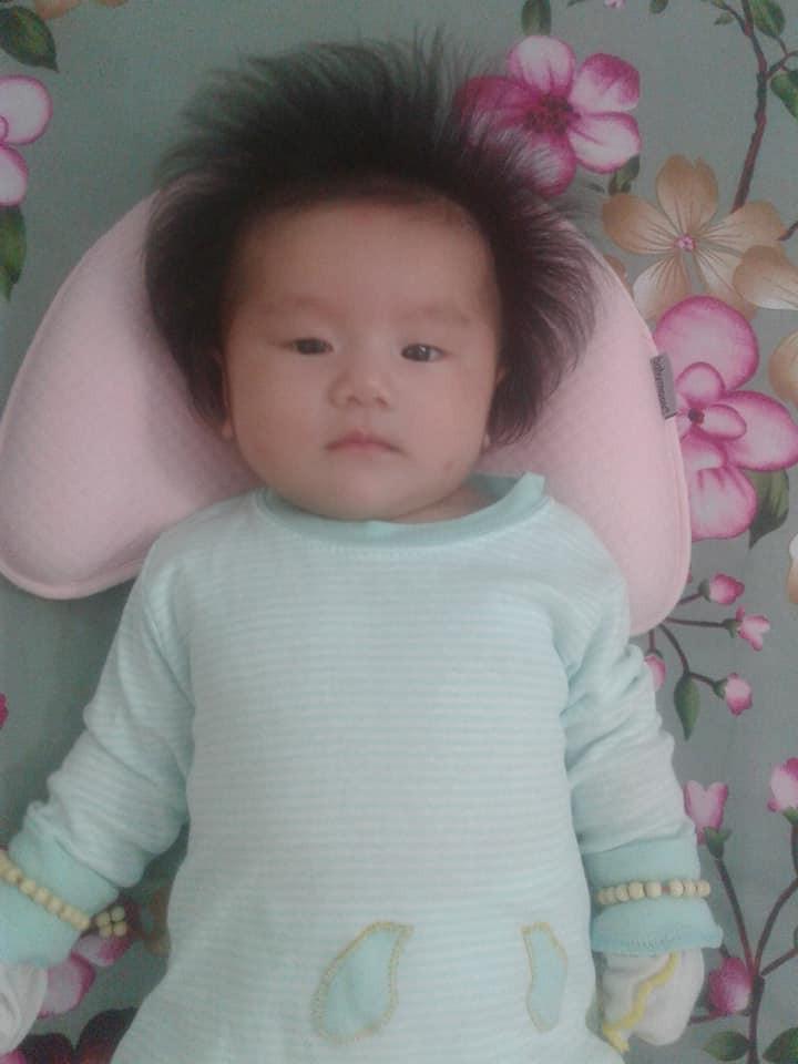 'Rụng tim' trước bé gái 3 tháng tuổi có mái tóc bông xù như chú sư tử nhỏ - Ảnh 8