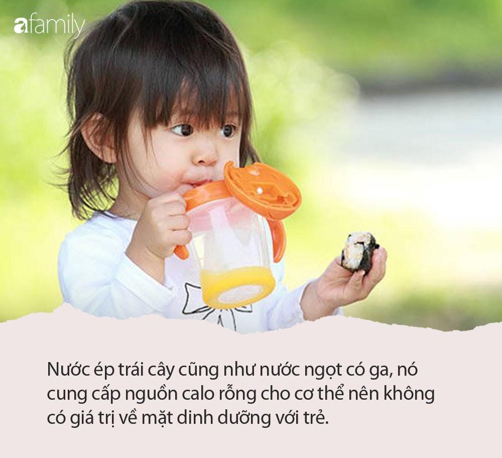 Tổ chức dinh dưỡng Mỹ khuyên cha mẹ không nên cho trẻ dưới 1 tuổi uống loại đồ uống này, dù chỉ là một chút - Ảnh 1