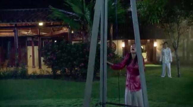 'Tiếng sét trong mưa': Kết phim lộ cảnh Phượng tự sát bằng điện giật nhưng Xuân cũng chết theo vì cứu cô? - Ảnh 3