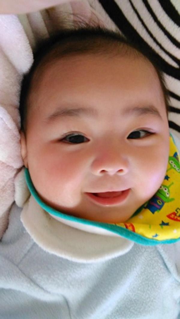 Nếu khiến cho đứa trẻ sơ sinh cười được trong tháng này, mẹ hãy mừng vì IQ bé cực cao - Ảnh 2