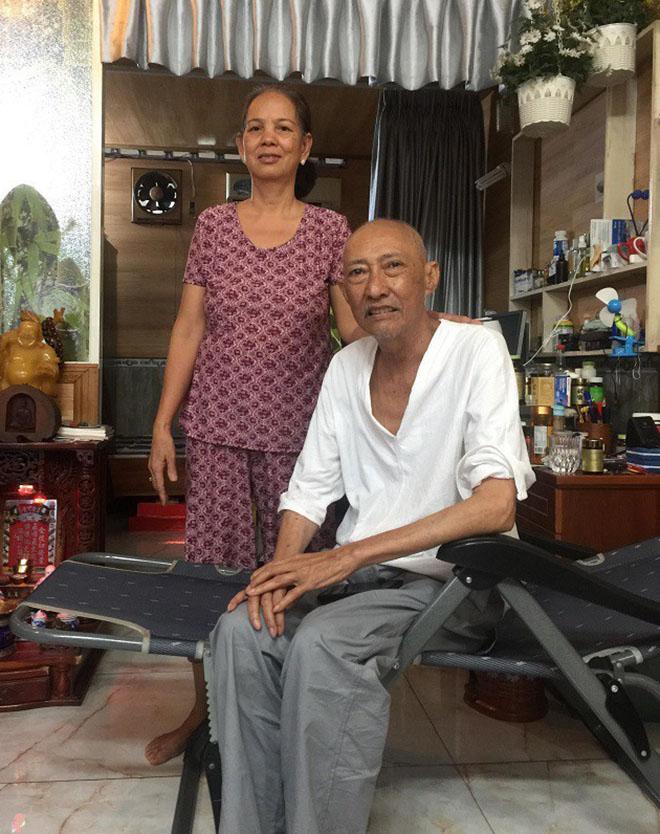 Nghệ sĩ Lê Bình đón vợ 37 năm ly hôn do mê cờ bạc về đoàn tụ - Ảnh 4
