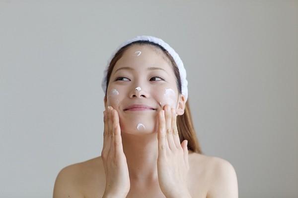 Ghi nhớ năm điều cốt lõi về lão hóa da mặt ở tuổi 40 - Ảnh 3
