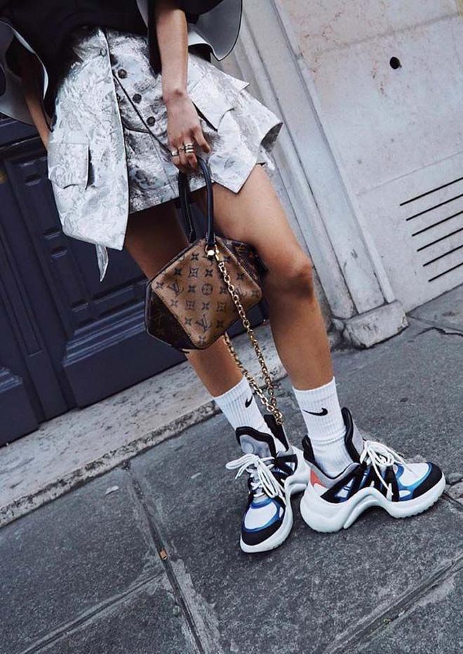 Họa tiết da báo, đồ đũi, giày của bố... chính xác là những xu hướng hot nhất 2018 - Ảnh 5