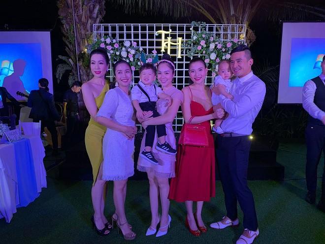 Sau đám cưới, vợ doanh nhân lớn tuổi của Trương Nam Thành khoe kỷ vật của bà nội chồng tặng - Ảnh 5