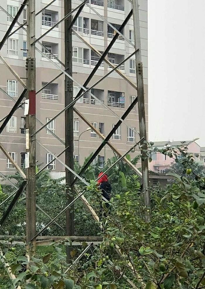 Nam thanh niên treo cổ trên cột điện, hai tay bị trói: Hé lộ nội dung lá thư tuyệt mệnh bằng tiếng Anh - Ảnh 2