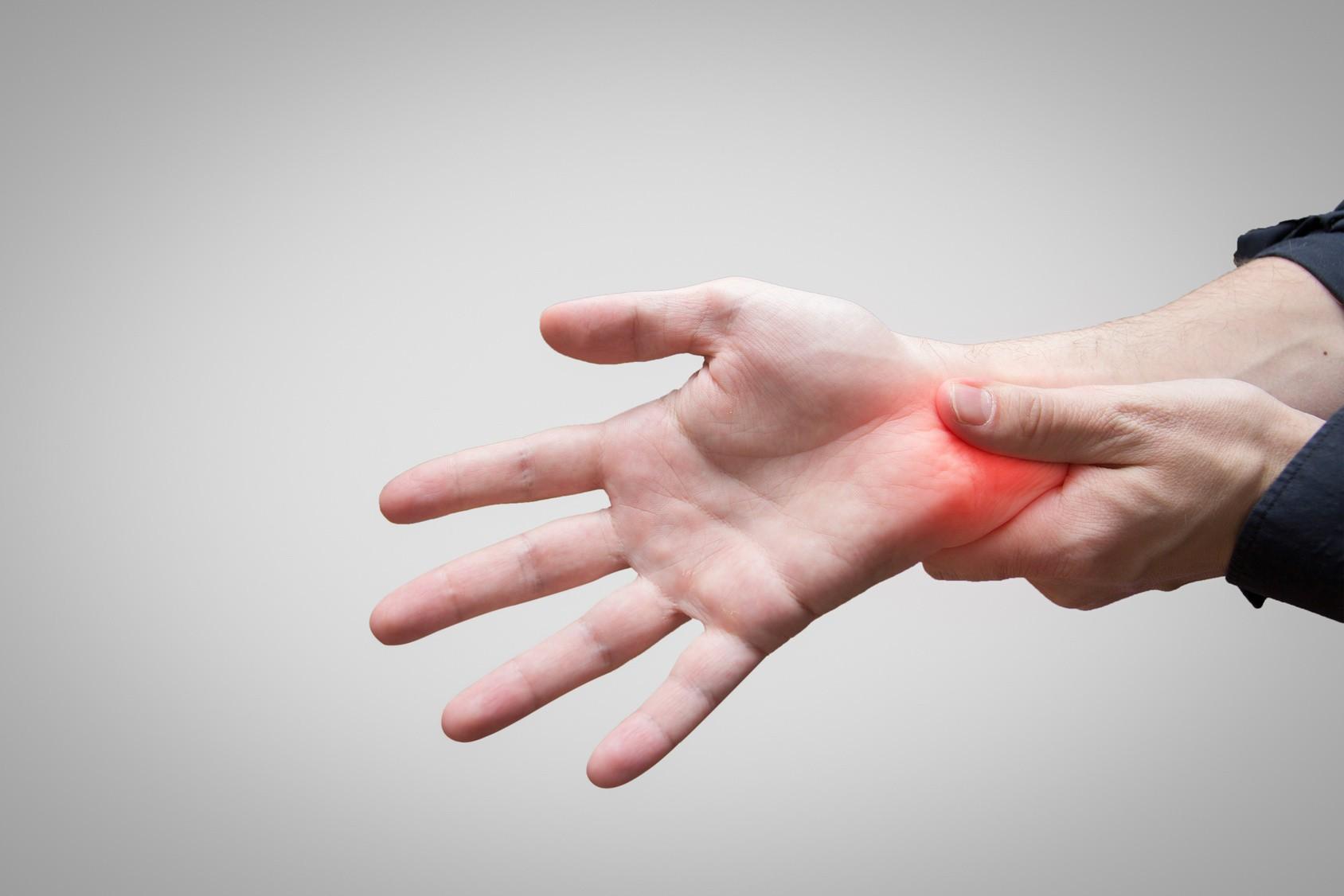 Nghe thì tưởng không liên quan nhưng đây lại là những triệu chứng cho thấy xương của bạn đang có vấn đề - Ảnh 4