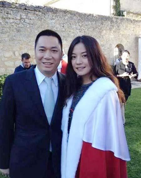Sau Phạm Băng Băng, đến vợ chồng Triệu Vy bốc hơi 5100 tỷ đồng - Ảnh 5