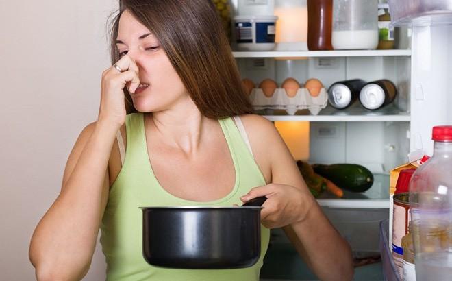 Sửa ngay những thói xấu khiến bạn dễ mắc bệnh ung thư vòm họng, cái số 3 giới trẻ mắc phải rất nhiều - Ảnh 1