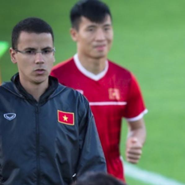 Tâm thư đầy xúc động của HLV thể lực điển trai dành cho đội tuyển Việt Nam trước giờ bay về nước - Ảnh 4