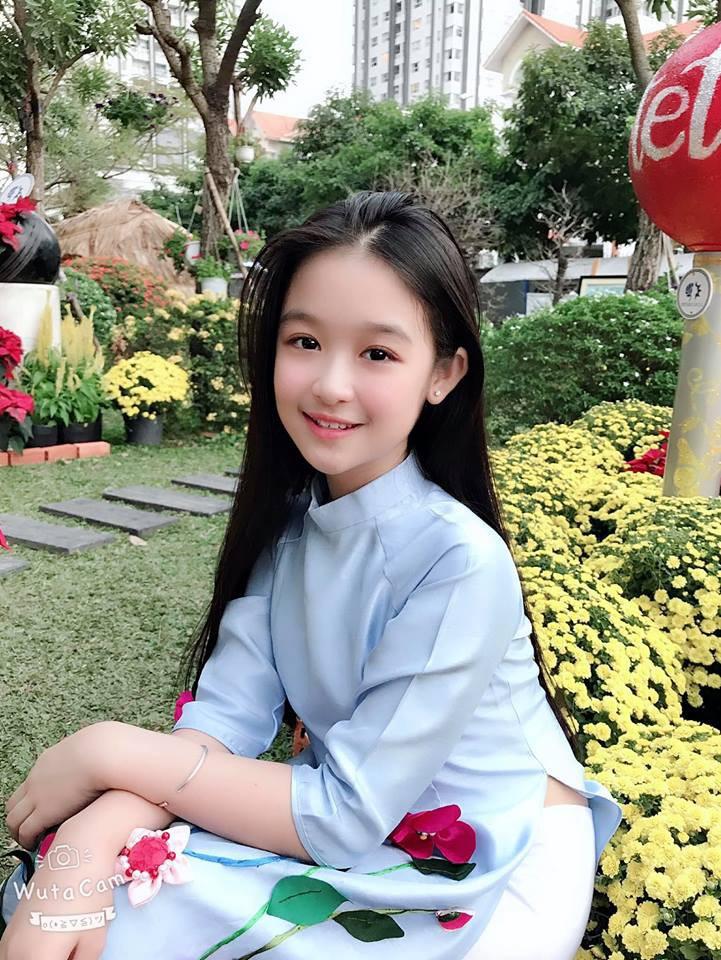 """Tiểu mỹ nhân đẹp thần thánh chẳng kém Tiểu Vy, Đỗ Mỹ Linh khiến dân tình phải gật gù: """"Hoa hậu tương lai đây rồi"""" - Ảnh 11"""