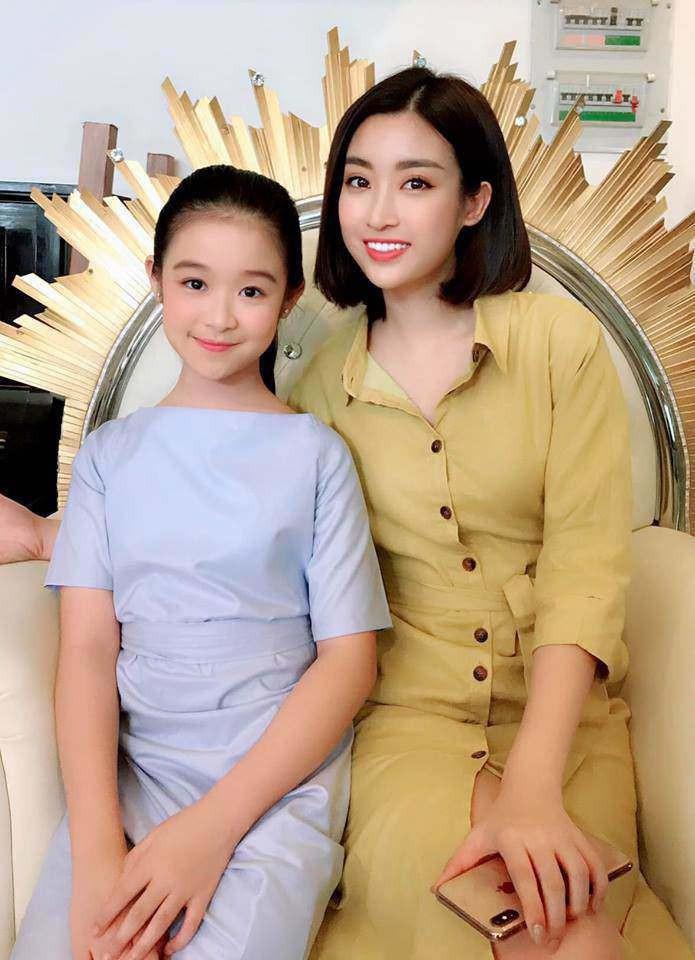"""Tiểu mỹ nhân đẹp thần thánh chẳng kém Tiểu Vy, Đỗ Mỹ Linh khiến dân tình phải gật gù: """"Hoa hậu tương lai đây rồi"""" - Ảnh 4"""