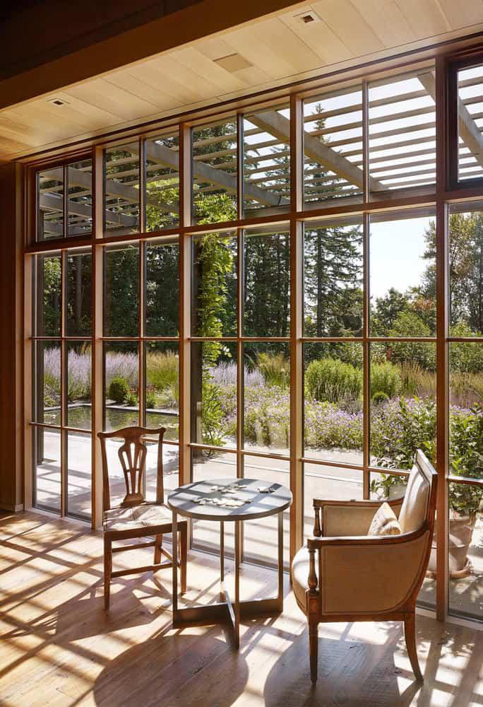 Ngôi nhà đẹp như cổ tích lại nằm giữa không gian thiên nhiên rộng lớn toàn hoa thơm cỏ lạ - Ảnh 2