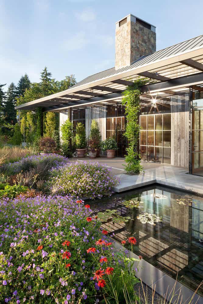 Ngôi nhà đẹp như cổ tích lại nằm giữa không gian thiên nhiên rộng lớn toàn hoa thơm cỏ lạ - Ảnh 13