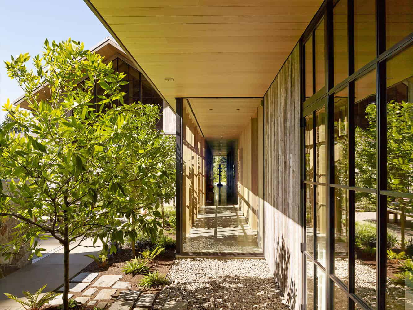 Ngôi nhà đẹp như cổ tích lại nằm giữa không gian thiên nhiên rộng lớn toàn hoa thơm cỏ lạ - Ảnh 15