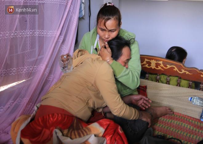 Tang thương ngôi làng nơi xảy ra vụ lật thuyền khiến 6 người chết: 'Có nỗi đau nào tột cùng hơn một lúc mất cả vợ lẫn 2 con thơ' - Ảnh 6