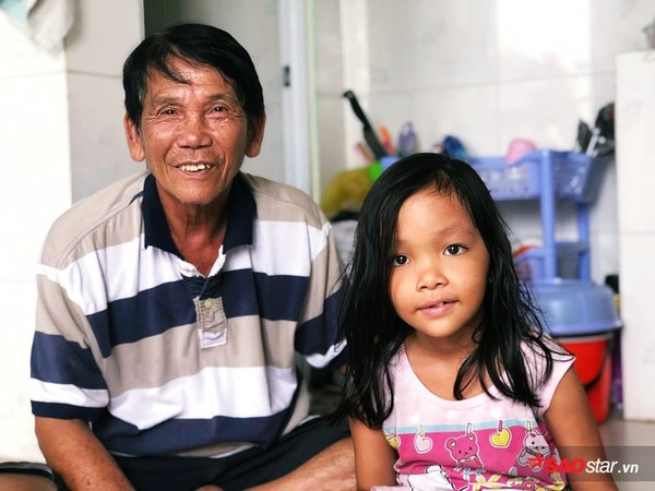 Bác bảo vệ bị dàn cảnh trộm xe SH ở Sài Gòn: 'Tui làm mất xe 40 triệu, được giúp hơn 100 triệu nên tui đem đi chia cho người nghèo hết rồi!' - Ảnh 9