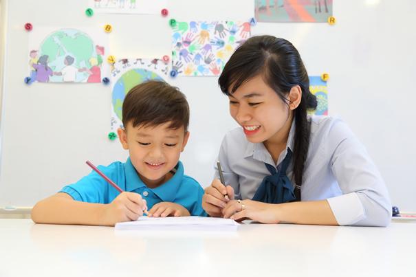8 cách hữu ích để cha mẹ dạy con tính tự lập ngay khi còn nhỏ - Ảnh 6