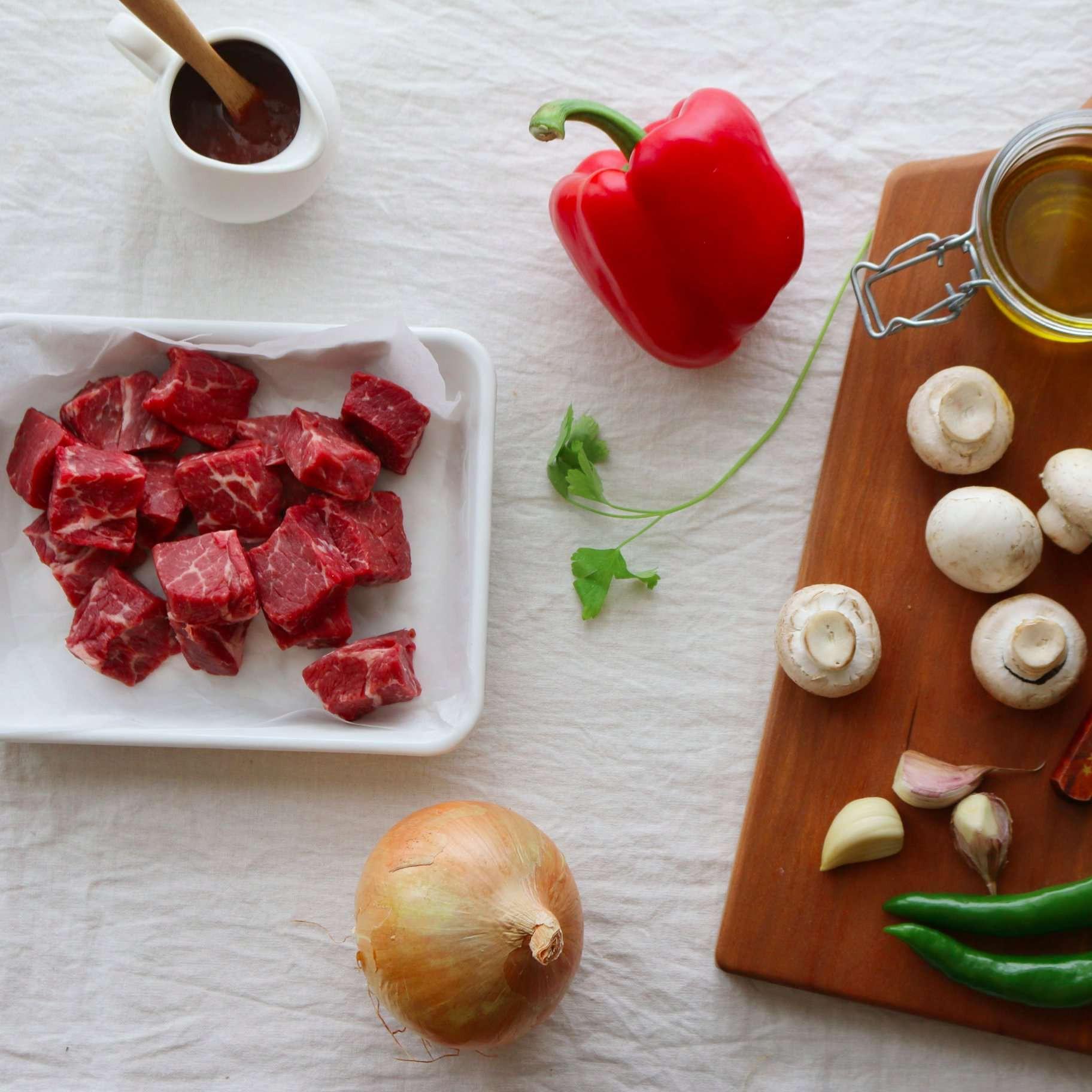 Để có món bò xào mềm ngon, bạn nhất định phải thử công thức này - Ảnh 1