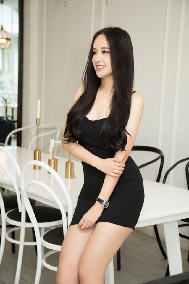 Hoa hậu Mai Phương Thúy stress nặng sau màn lộ vóc dáng đồ sộ và vòng 1 siêu khủng trên truyền hình - Ảnh 1