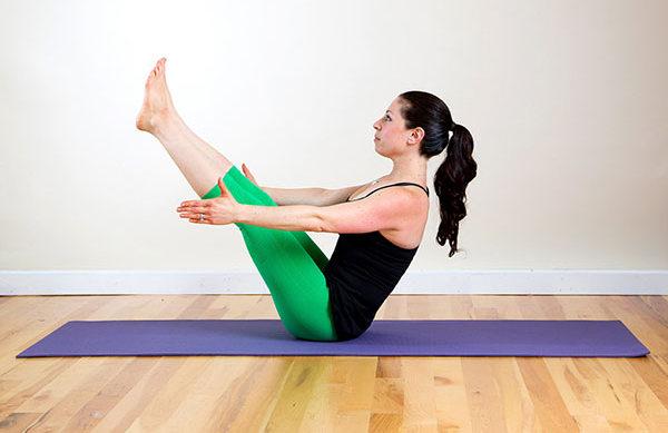 7 động tác yoga đơn giản tại nhà, eo thon, dáng chuẩn bất chấp mọi lứa tuổi - Ảnh 3