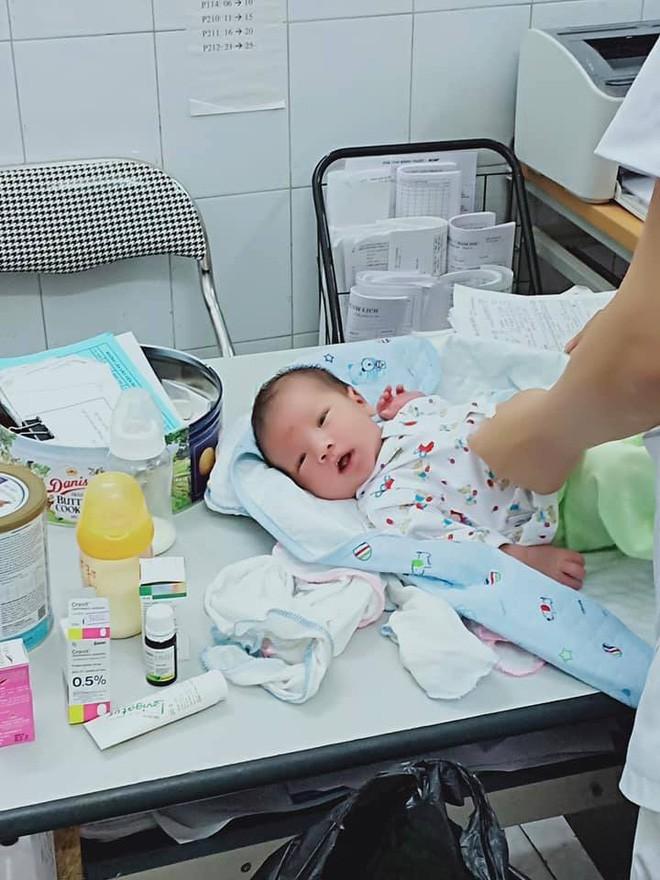 Bức thư nguệch ngoạc của người mẹ 16 tuổi để lại bên cạnh đứa con mới sinh trong bệnh viện - Ảnh 1