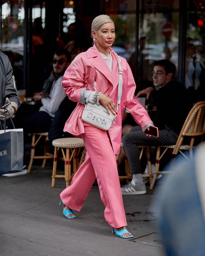 Giày mũi vuông trở lại, 'thống lĩnh' xu hướng thời trang đường phố - Ảnh 5