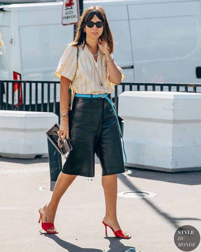 Giày mũi vuông trở lại, 'thống lĩnh' xu hướng thời trang đường phố - Ảnh 6