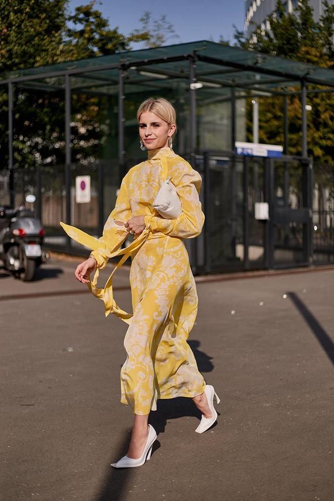 Giày mũi vuông trở lại, 'thống lĩnh' xu hướng thời trang đường phố - Ảnh 7