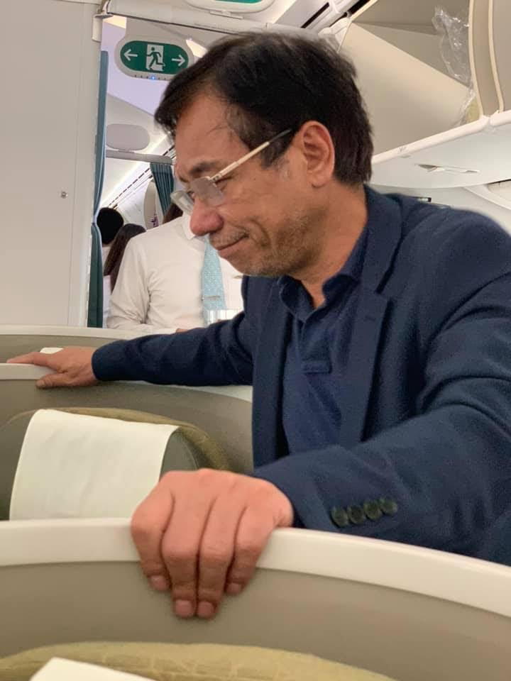 Hành khách thương gia sàm sỡ cô gái trẻ trên máy bay - Ảnh 2