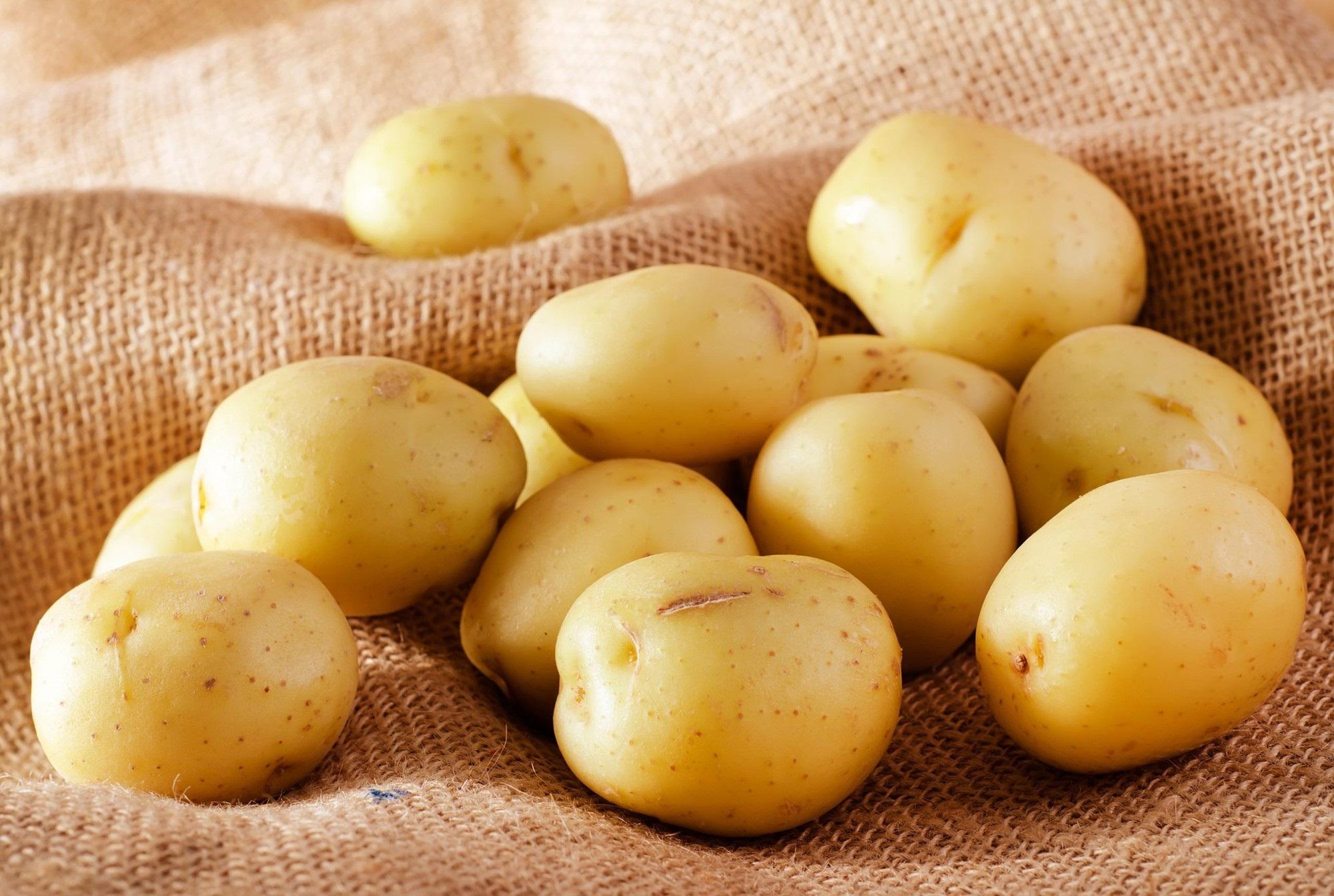 Đây chính là những loại thực phẩm lấy lại độ trắng sáng cấp tốc, không thua gì việc bôi vitamin C hàng ngày - Ảnh 2