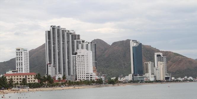 Khánh Hòa 'sáng tác' hàng loạt dự án đất ở ngoài Luật - Ảnh 1