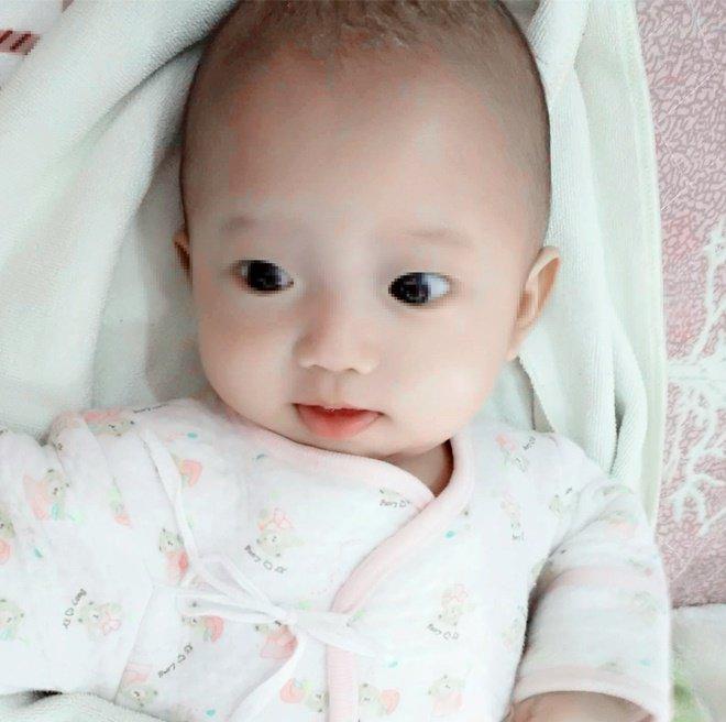 Bật khóc vì con sinh ra quá xấu, 100 ngày sau mẹ thú nhận 'thật may đã không bỏ con' - Ảnh 2