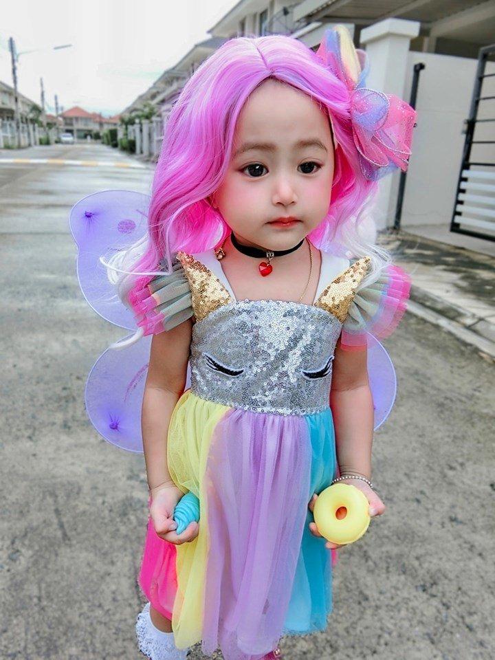 Bé gái xinh như thiên thần ai cũng xuýt xoa, nào ngờ lại là người quen - Ảnh 13
