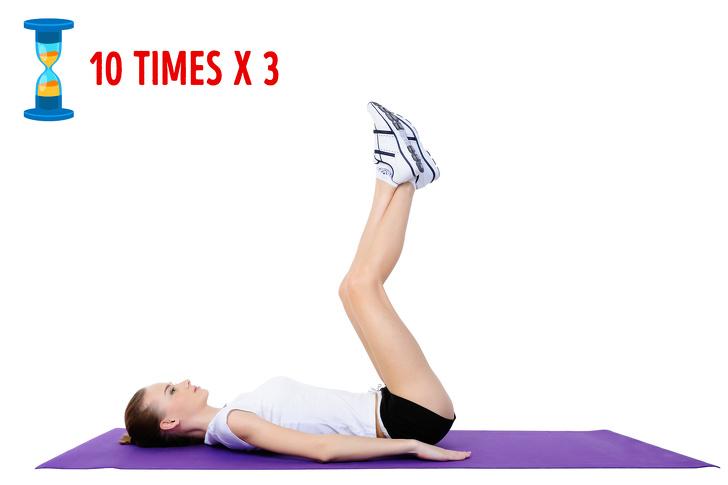 Tập ngay 8 động tác yoga đốt cháy mỡ bụng này, vòng eo không chỉ thon gọn mà còn lộ rõ đường cong gợi cảm - Ảnh 4