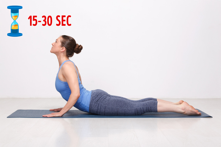 Tập ngay 8 động tác yoga đốt cháy mỡ bụng này, vòng eo không chỉ thon gọn mà còn lộ rõ đường cong gợi cảm - Ảnh 8