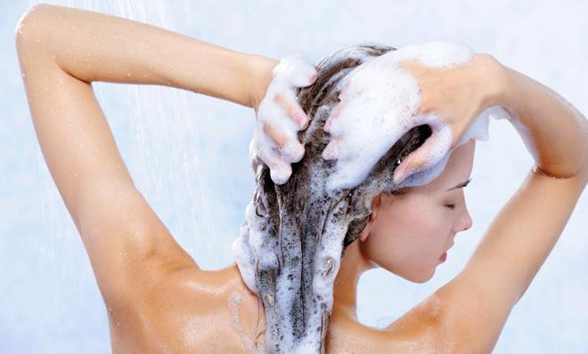9 lưu ý giúp bạn trị tận gốc nỗi khổ rụng tóc - Ảnh 1