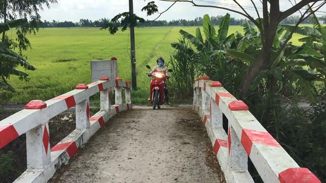 Cảm động cô gái mắc bệnh nan y mang hết tiền nhà hảo tâm tặng xây cầu giúp dân - Ảnh 2