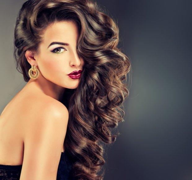 Trị rụng tóc bằng tinh dầu massage và dầu gội thiên nhiên tự chế - Ảnh 1