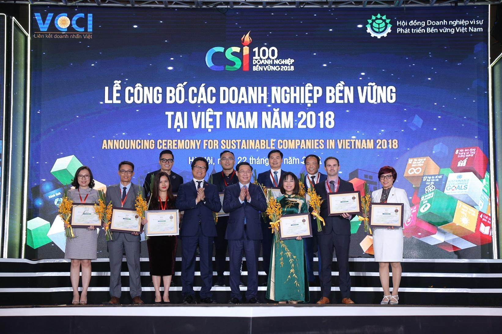 Vinamilk nhận bằng khen của Thủ tướng về phát triển tam nông bền vững - Ảnh 2