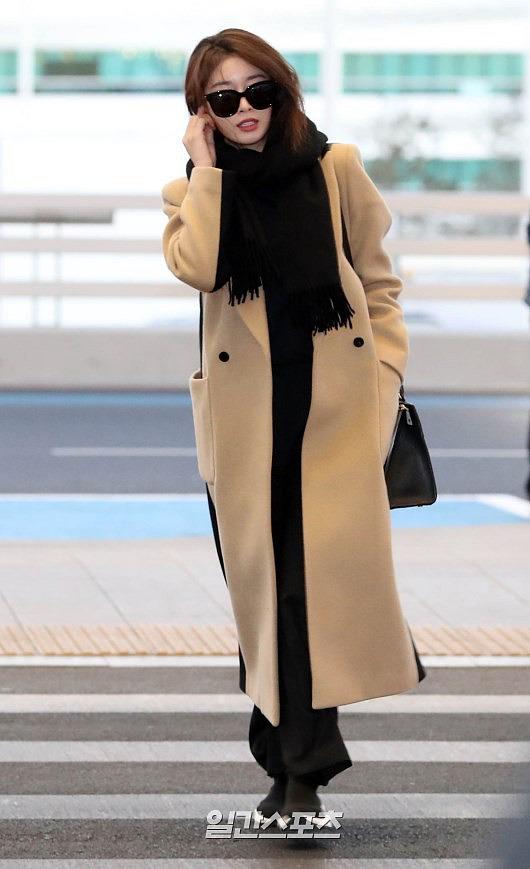 Ji Yeon (T-ara) xuất hiện như nữ thần tại sân bay, sang Việt Nam tham dự sự kiện âm nhạc lớn nhất năm - Ảnh 1